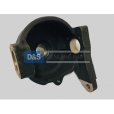 FRONT AXLE SWIVEL HOUSING  R.H